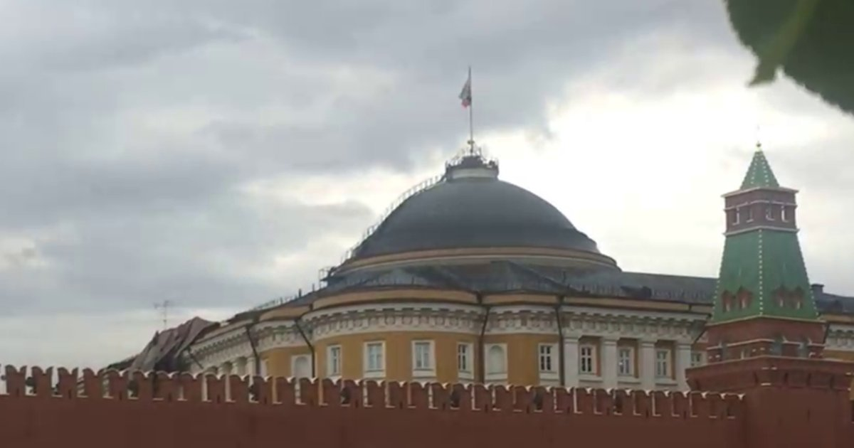 Шторм в российской столице поломал Кремль