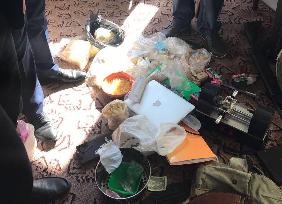 УЛуцьку «бурштинщики» захопили взаручники поліцейського